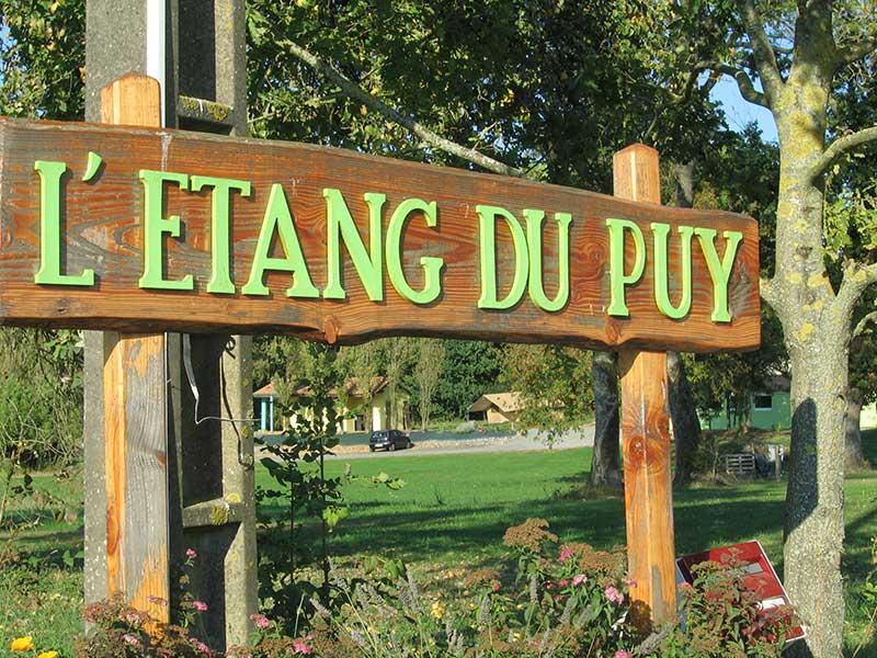 Camping Prs Du Puy Du Fou  LEtang Du Puy En Vende